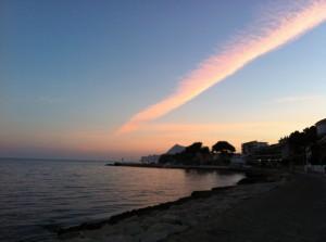 IMG_8090 (Beautiful sunrise down by the sea!)