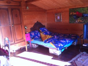 swiss cabin bedroom2